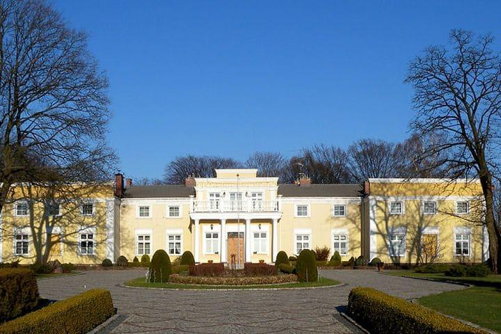 Herrensitz aus dem 19. Jahrhundert in Wielgie